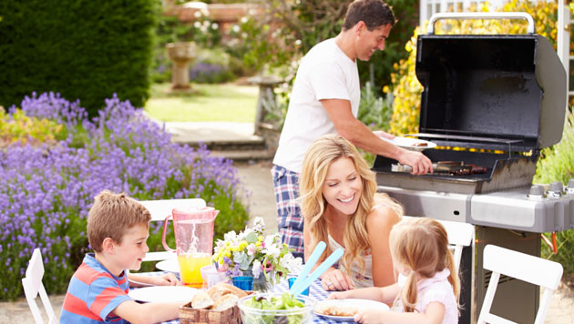 Beginner's Guide to Hosting a Barbeque Party in Your Backyard